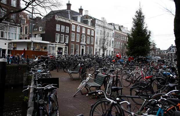 Amsterdam la citt su due ruote racconto di viaggio for Affitto bici amsterdam