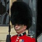 Inghilterra - Londra - di guardia alla Torre di Londra