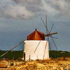 Spagna, uno dei mulini a vento delle campagna spagnole