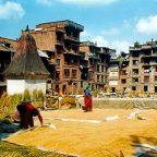Nepal - Donne al lavoro a Kathmandu