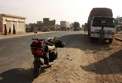 Sosta in Pakistan dopo 10000 chilometri di viaggio