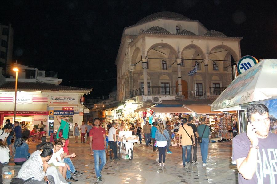 Grecia - Atene - Il mercato delle pulci intorno a Monastiraki