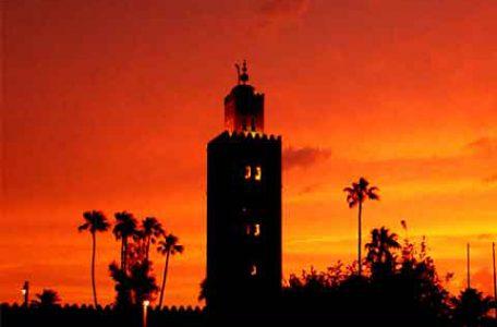 Marocco, Marrakech - Il minareto della Moschea della Kutubiyya al tramonto