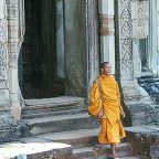 Cambogia - Angkor - un monaco al tempio Baphoum