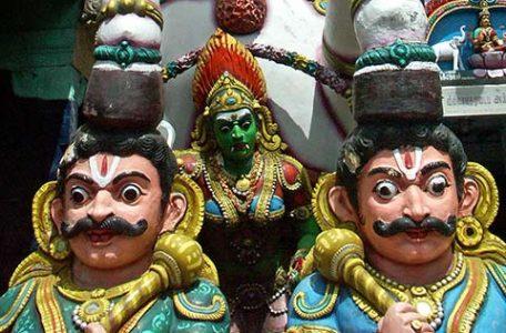 India del Sud - all'entrata di un tempio di Mysore