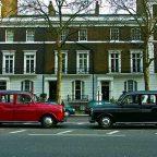 Inghilterra - due taxi nelle strade di Londra