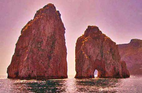 Italia - I faraglioni di Capri