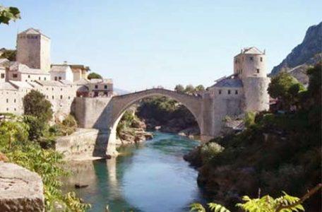 Bosnia - il ponte di Mostar ricostruito dopo la guerra
