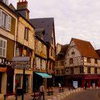 Francia - Le case a graticcio di Bruges - di Monica e Vinicio
