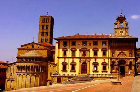 Italia - Piazza Grande ad Arezzo