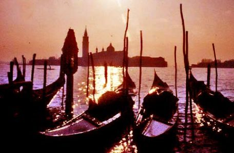 Venezie - Gondole alla Giudecca - Foto Markos.it