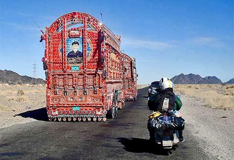 Viaggio in Vespa intorno al mondo di Paolo Zambon - Pakistan