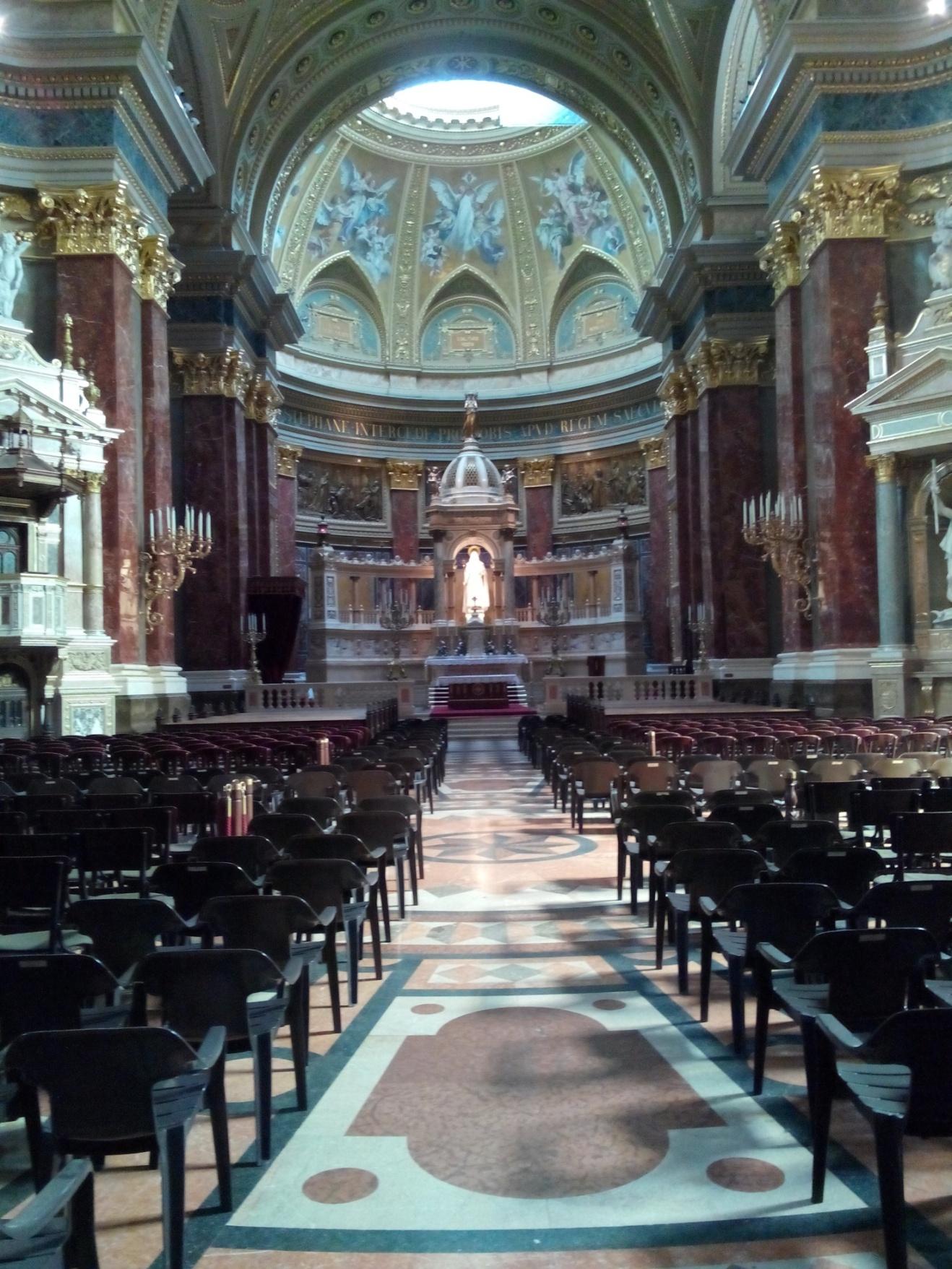 interno chiesa s.stefano.jpg