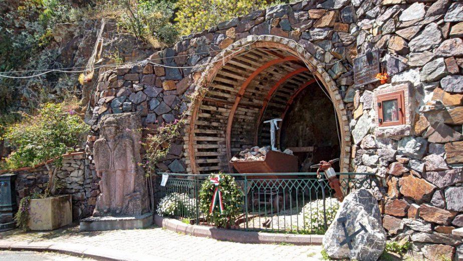 Miniere Memorial