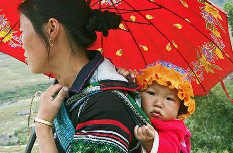 Donna di etnia Hmong