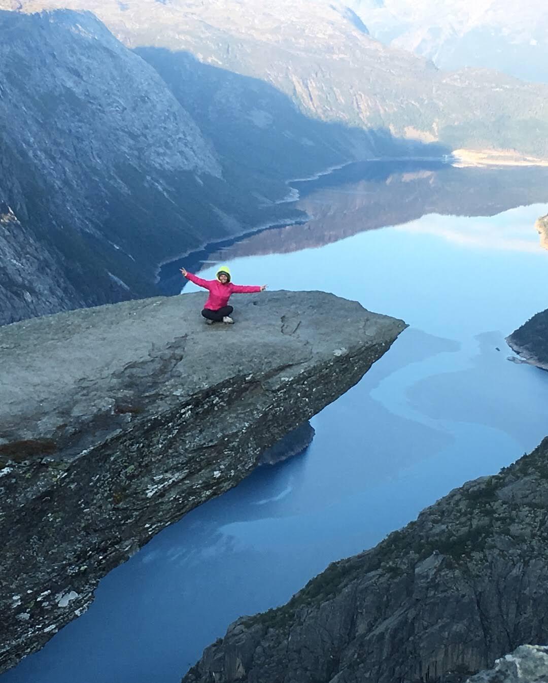 Immagine che contiene montagna, esterni, natura, acqua  Descrizione generata automaticamente
